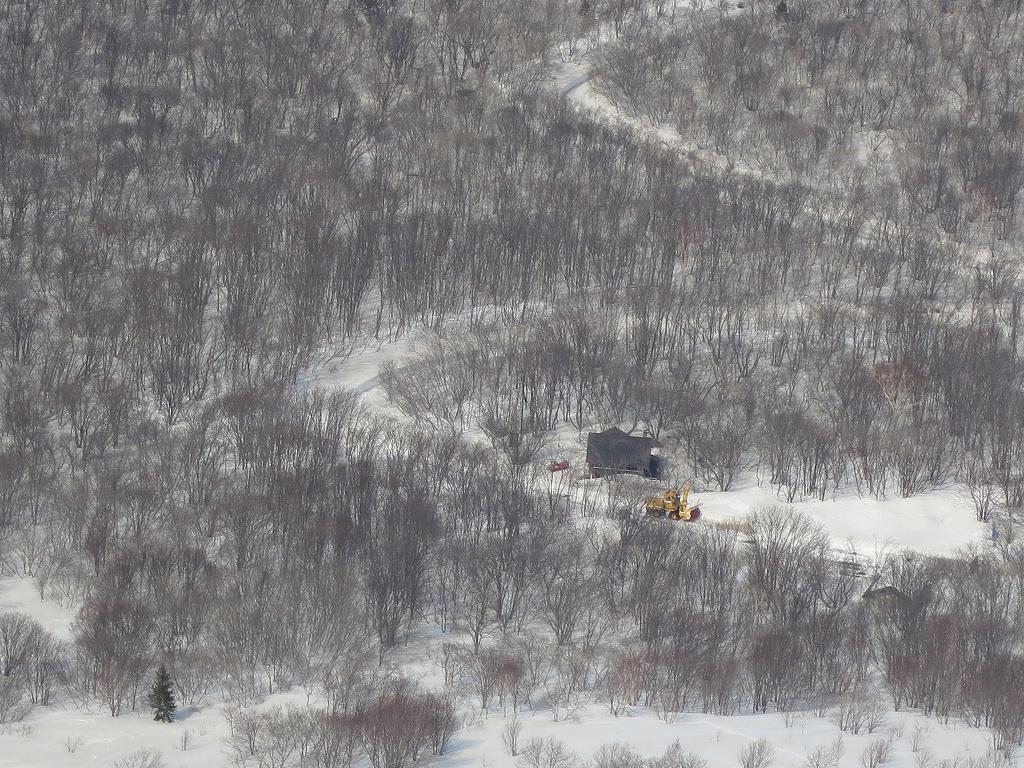4月23日、風不死岳と樽前山-風不死岳からゲート編-_f0138096_20381417.jpg