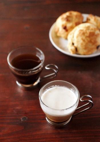 家で飲むエスプレッソコーヒーと、オヤツのスコーン_b0253205_449638.jpg
