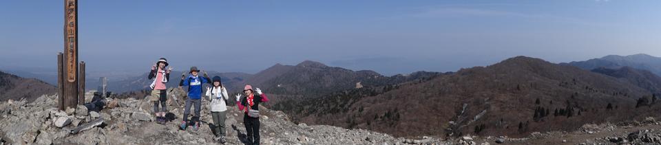 武奈ヶ岳てっぺんまで上がって下がる_e0052012_0463312.jpg