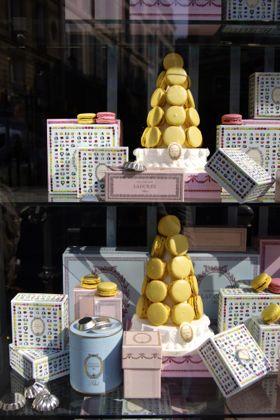 パリ散歩その7 パリはケーキもパンもおいしい♪_e0114020_232289.jpg