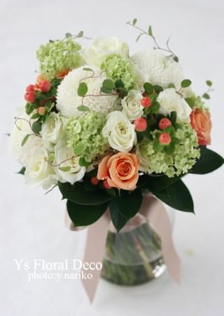 お色直しに白いウェディングドレス 花冠とクラッチブーケ_b0113510_19342678.jpg