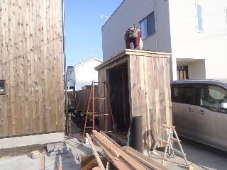 アトリエのある家 外構工事が進行中。_f0105112_72944.jpg