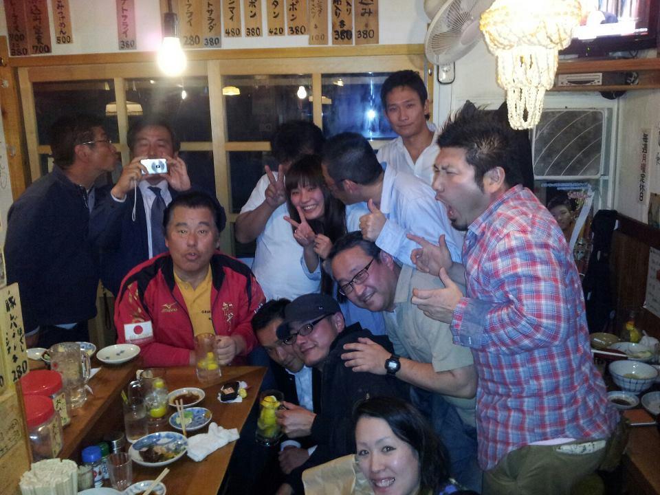 先日のワールドカップで大健闘した篠原の慰労会と四国大会の祝勝会。_c0186691_10213016.jpg