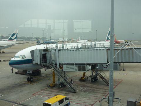 空港内、移動電車_c0177195_10202577.jpg