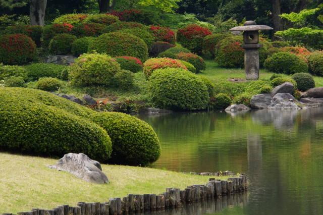 ツツジの美しい庭園にて_a0257652_17434538.jpg