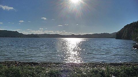 湖ウォーキング_e0133780_16512298.jpg