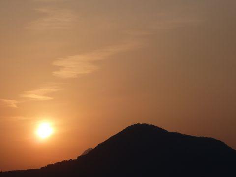 高崎山の夕陽_c0177195_1846038.jpg