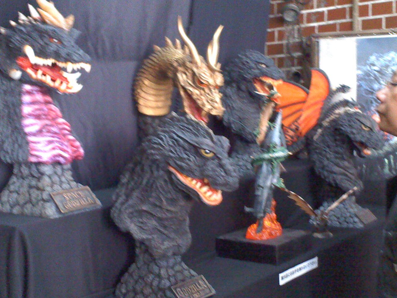 怪獣市場一大開催!_a0196732_14315176.jpg