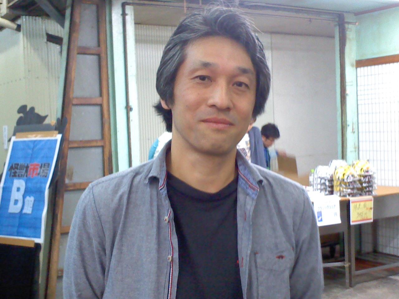 コンちゃん、西川先生、怪獣市場に登場!_a0196732_1502577.jpg