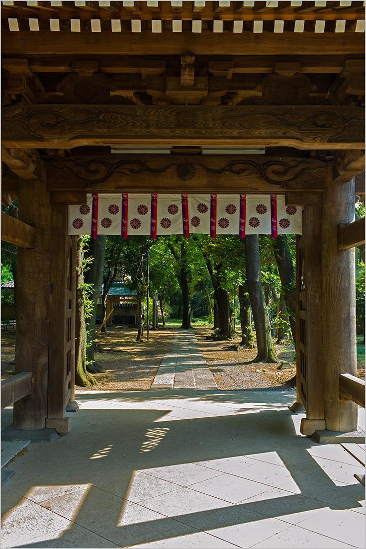 八幡神社_神門_a0261169_18111551.jpg