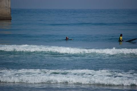 悠と、波に向かっていく気持ちが足りないなぁ。_f0009169_8241459.jpg