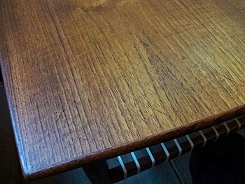 center table_c0139773_16301280.jpg