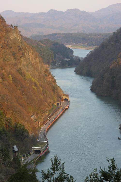 トンネルから白煙 - 2013年春・磐西 -  _b0190710_22223532.jpg
