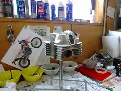 KLX125 エンジン整備スタート!_e0114857_19195011.jpg