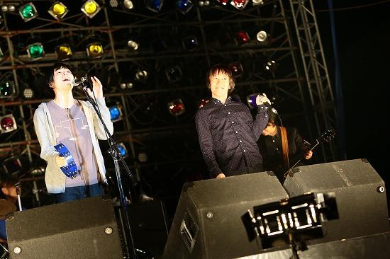 フラワーカンパニーズ ARABAKIで熱演、TBS『アーティスト』で「深夜高速」地上波初フル生演奏も_e0197970_12115293.jpg