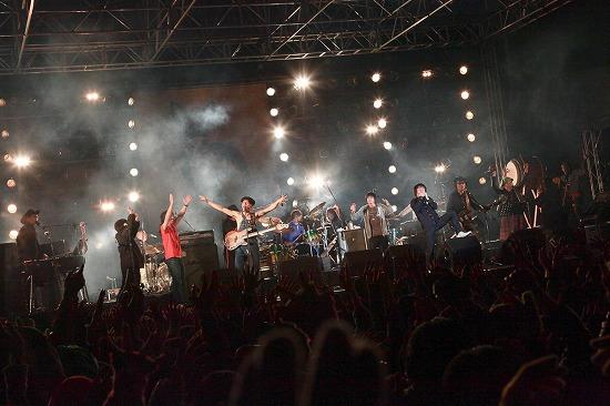 フラワーカンパニーズ ARABAKIで熱演、TBS『アーティスト』で「深夜高速」地上波初フル生演奏も_e0197970_12121362.jpg