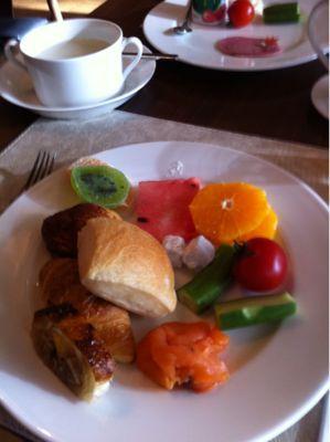朝食バイキング_d0235108_1774980.jpg