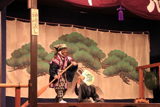 えんま堂大狂言 祭の5月1_e0048413_22343166.jpg