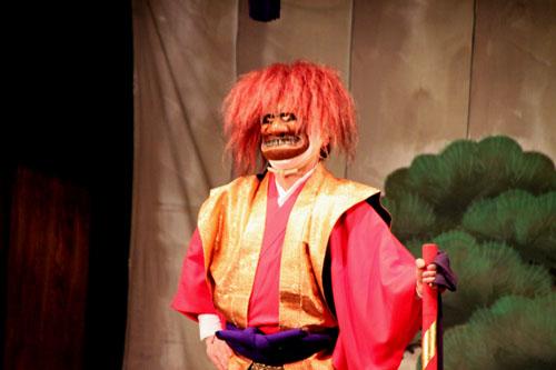 えんま堂大狂言 祭の5月1_e0048413_2234980.jpg