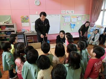 保育園でコマまわし☆第2弾_a0272042_15473075.jpg