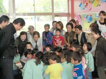 保育園でコマまわし☆第2弾_a0272042_1548995.jpg