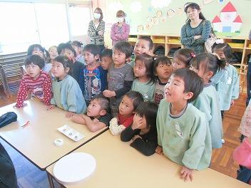 保育園でコマまわし☆第2弾_a0272042_17312876.jpg