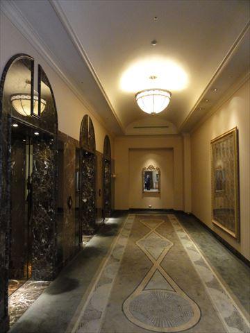 マリオットホテル エレベーター_f0034816_2301596.jpg