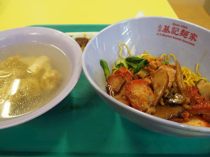 2013 4月 シンガポール (10) Hong Lim FC でチャーシュー麺を食べる_f0062122_8292167.jpg