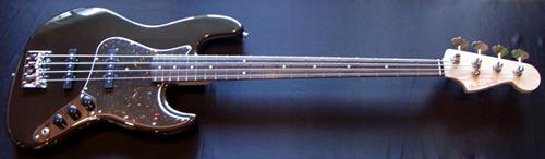 上野さんオーダーの「Modern J-Bass #015」が完成です!_e0053731_17481085.jpg