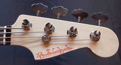 上野さんオーダーの「Modern J-Bass #015」が完成です!_e0053731_1748896.jpg