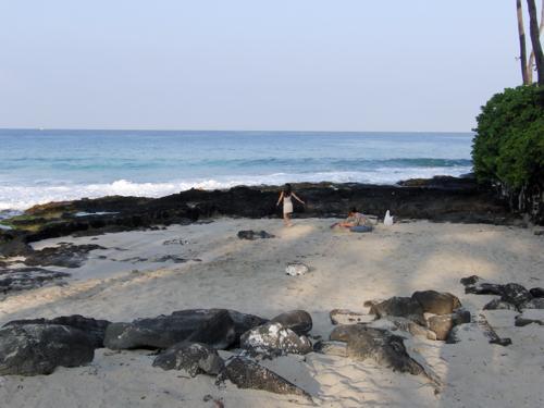 久しぶりのビーチにて_e0129046_8503278.jpg