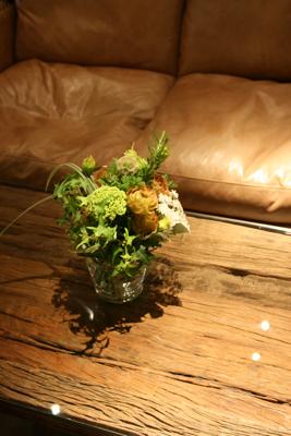 オシャレで個性的!!!な会場装花でした☆_e0149863_23512230.jpg