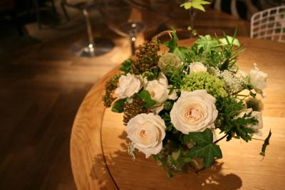 オシャレで個性的!!!な会場装花でした☆_e0149863_23522865.jpg