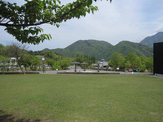 富士川クラフトパークへのバスハイク_e0191174_1622778.jpg