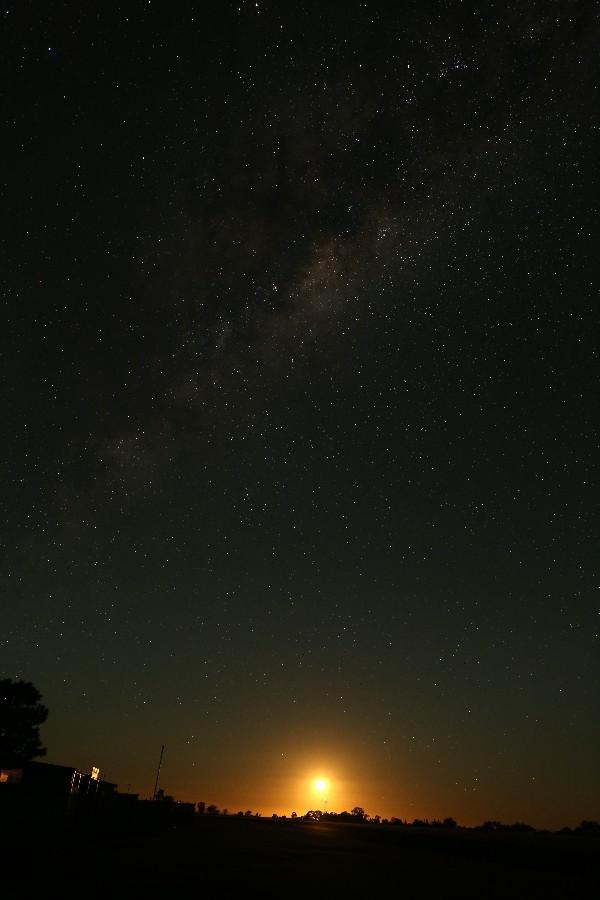 半月が出ても天の川がよく見える_a0095470_2254494.jpg