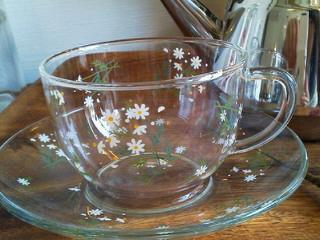 ガラスのカップ&ソーサー_f0255704_14474262.jpg