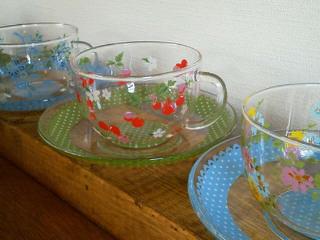 ガラスのカップ&ソーサー_f0255704_14474288.jpg