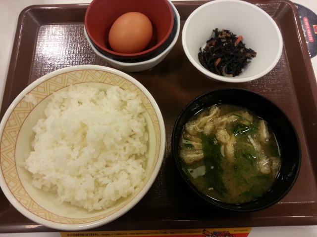 たまごかけごはん朝食¥200@すき家_b0042308_22515863.jpg