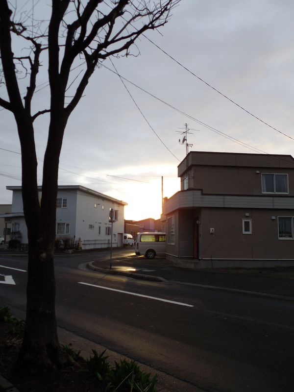 連休の終わりを告げる夕焼け_c0025115_23165357.jpg