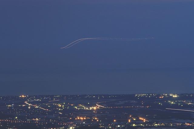 飛行機の光跡_c0155950_742222.jpg