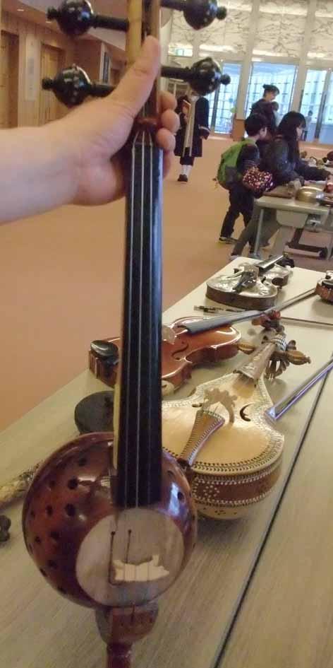さわれる楽器博物館_f0182885_1235054.jpg