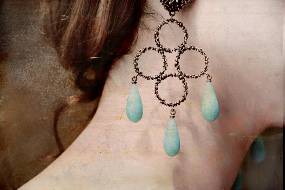 Daniela de Marchi, Chandelier Earrings!_b0115615_156177.jpg