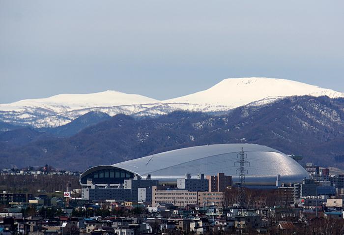 札幌ドームと無意根山_c0182775_19491414.jpg