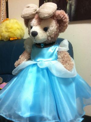 メイちゃんのシンデレラ風ドレスがもうすぐ完成_c0036138_20412249.jpg
