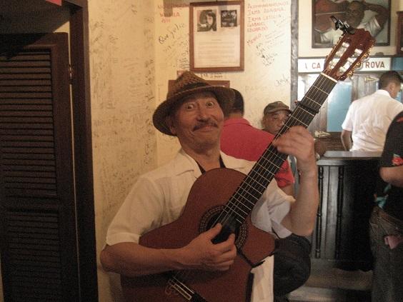 オンリーワン・ギターリストmuchoさんインタビュー記事_a0103940_1113692.jpg