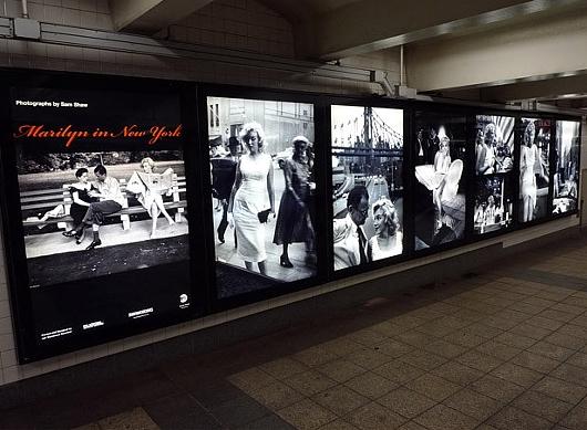 NYの地下鉄の駅構内でマリリン・モンローさんの写真展、Marilyn in New York_b0007805_1203943.jpg
