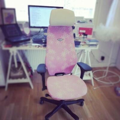 STOKKEのオフィス椅子_c0252522_16194145.jpg