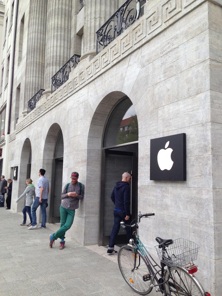 Apple Berlin オープン!_c0180686_18221927.jpg