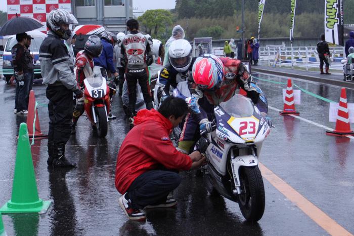 茂原DS弐輪道CUP 3時間耐久レース_d0067418_1339409.jpg