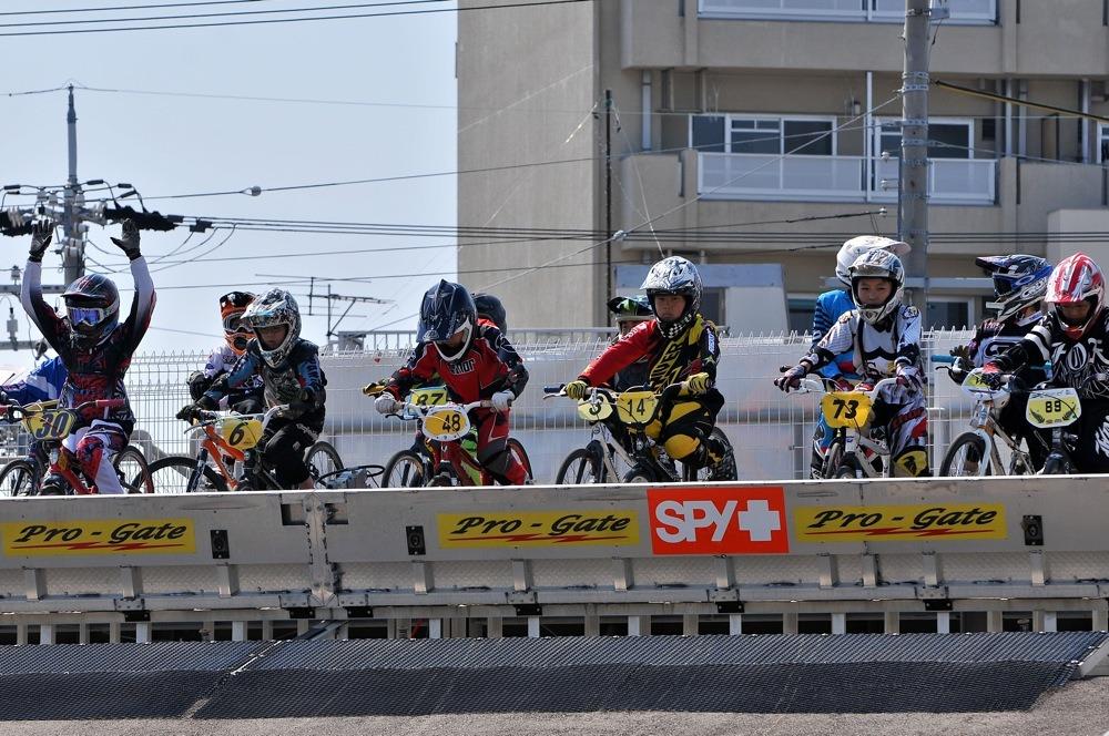 JBMXFシリーズ第1戦(西日本シリーズ第1戦)VOL21:ボーイズ11〜12歳 準決勝_b0065730_14104760.jpg
